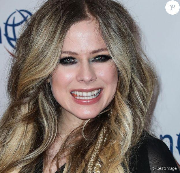 """Avril Lavigne - Les célébrités assistent à la soirée """"Opération Smile"""" à Beverly Hills, le 6 novembre 2019."""