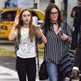 Exclusif - Courteney Cox arrive avec sa fille Coco Arquette à l'aéroport de Miami, le 30 mars 2017, pour une petite escapade.