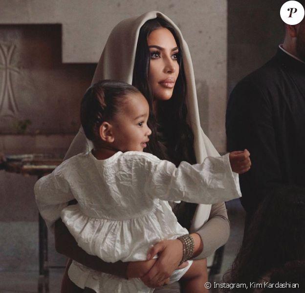 Kim Kardashian et ses enfants Chicago, Saint et North en Arménie. Octobre 2019.