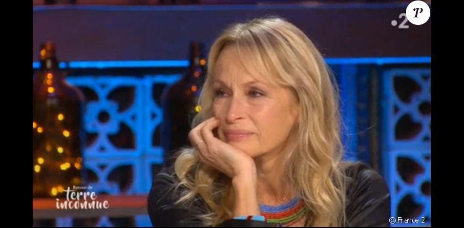 Estelle Lefebure en larmes le 3 décembre 2019 sur France 2.