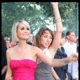 Laura Smet et Laeticia Hallyday au concert de Johnny Hallyday, le 14 juillet 2009.