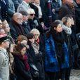 Camille, la fiancée de Pierre-Emmanuel Bockel et la mère du soldat tué au Mali, Marie-Odile Bockel, lors de l'hommage militaire rendu par Emmanuel Macron aux Invalides, à Paris, le 2 décembre 2019.