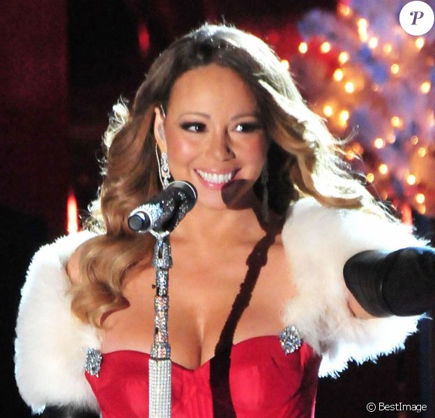 Mariah Carey - Inauguration des illuminations de Noël au Rockefeller Center. New York. Le 3 decembre 2013.