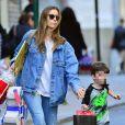 Exclusif - Jessica Biel à la sortie de l'école avec son fils Silas Randall Timberlake à New York le 11 avril 2019.