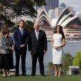 """Le prince Harry, duc de Sussex et sa femme Meghan Markle, duchesse de Sussex (enceinte) rencontrent Peter Cosgrove (le Gouverneur général d'Australie) et sa femme Lynne Cosgrove à la """"Admiralty House"""" lors de leur premier voyage officiel, le 16 octobre 2018.meghan"""