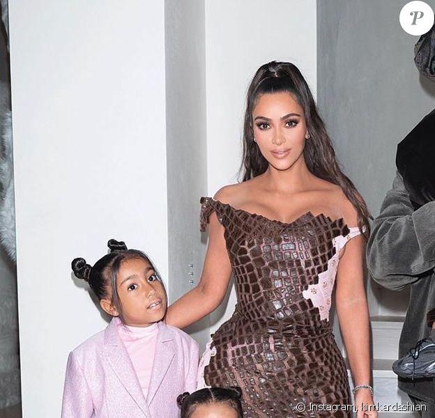 Kim Kardashian en famille avec Kanye West, leurs enfants North, Saint, Chicago et Psalm sur Instagram, décembre 2019.