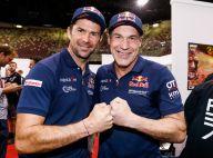 Mike Horn radieux aux côtés de Cyril Despres sur le départ du Rallye Dakar