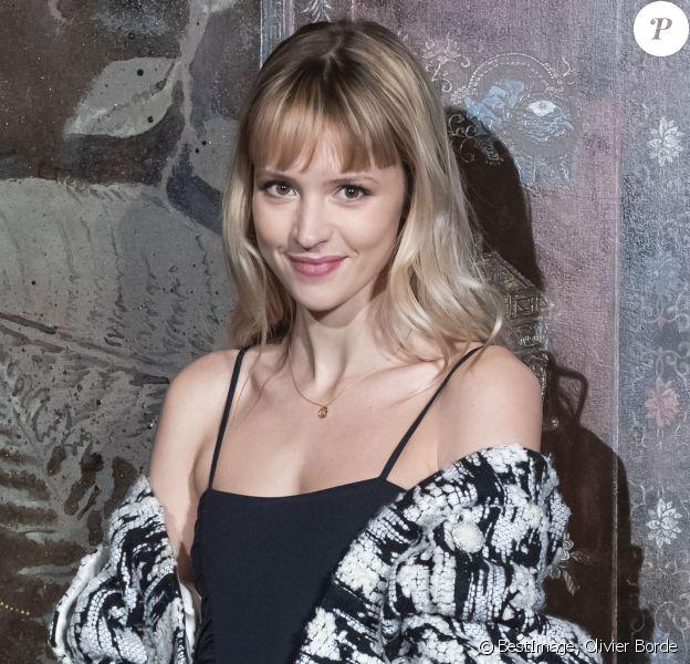 Angèle (Angèle Van Laeken) lors du photocall du défilé Chanel Métiers d'Art 2019 / 2020 au Grand Palais à Paris le 4 décembre 2019 © Olivier Borde / Bestimage -