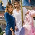 Camille Lacourt et Valérie Bègue à Disneyland paris le 12 avril 2015.