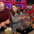 """Kate Catherine Middleton, duchesse de Cambridge, et le prince William, duc de Cambridge, ont rencontré des membres de la communauté musulmane ainsi que des femmes du """"Council Curry Circle"""" au restaurant MyLahore à Bradford. Le 15 janvier 2020"""