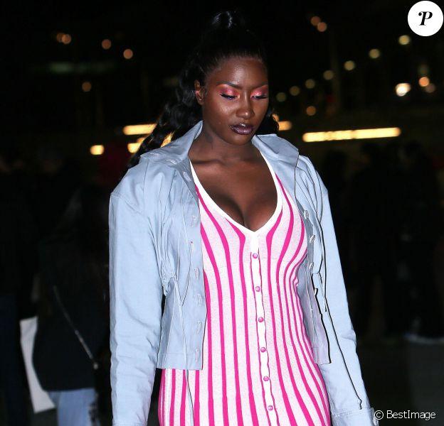 Aya Nakamura quitte la Paris La Défense Arena à l'issue du défilé Jacquemus, collection homme automne-hiver 2020-2021. Nanterre, le 18 janvier 2020.
