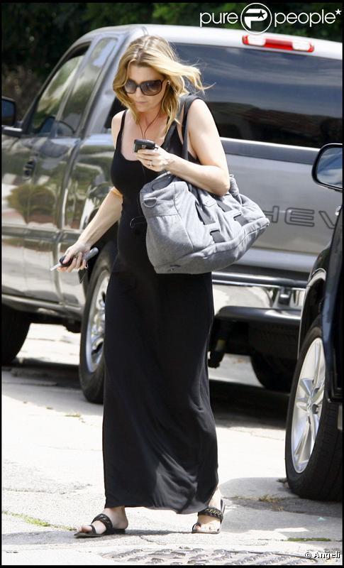 Ellen Pompeo, enceinte, n'affiche toujours aucun sourire !