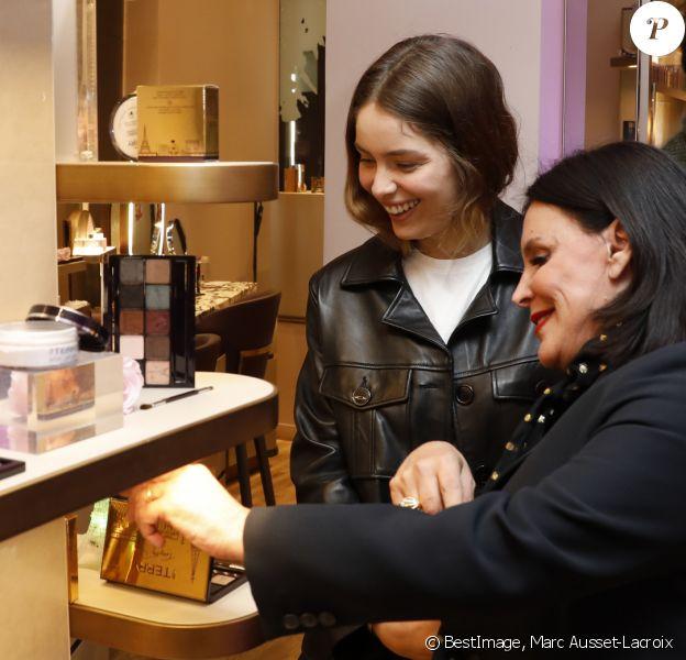 Exclusif - Marie-Ange Casta, Terry De Gunzburg - Cocktail By Terry Lance sa nouvelle collection Terrybly Paris à la galerie Véro-Dodat à Paris le 16 janvier 2020. © Marc Ausset-Lacroix/Bestimage