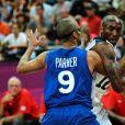 Tony Parker et Kobe Bryant  aux JO de Londres, le 29 juillet 2012.