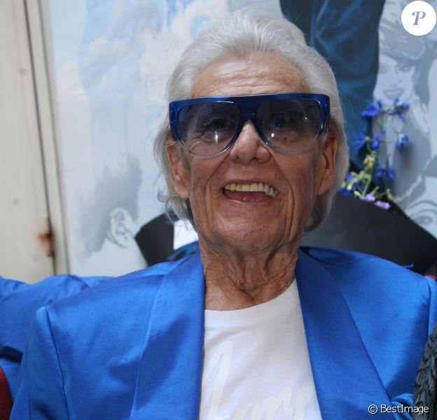 Michou fête son 88e anniversaire dans son cabaret avec ses amis à Paris le 18 juin 2019.  © JLPPA/Bestimage