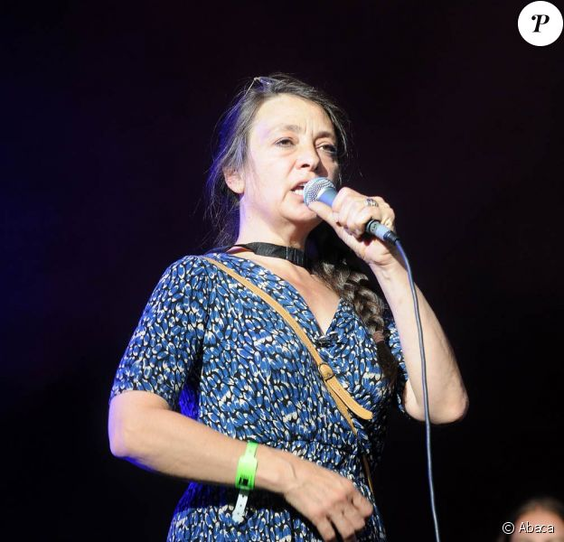 Catherine Ringer sur la scène du Fnac Indétendances Festival, le 5 août 2009, à Paris !