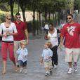 Kevin Federline avec sa petite amie et ses deux garçons, été 2009