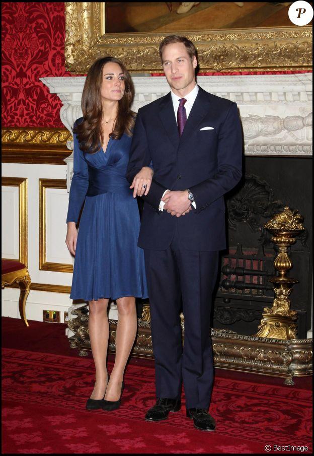 Le prince William et Kate Middleton lors de l'annonce de leurs fiançailles à Clarence House, à Londres, le 16 novembre 2010.