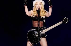 Madonna a peur qu'on lui vole sa tenue de scène alors elle... coud son nom à l'intérieur !