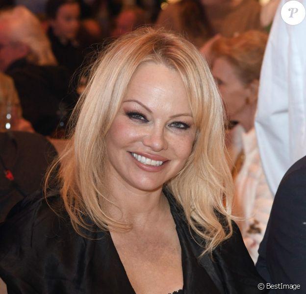Pamela Anderson à la soirée VIP Gut Aiderbichl Christmas Market à Henndorf en Autriche, le 12 novembre 2019