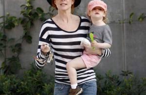 Marcia Cross, son mari en forme, et leurs deux adorables jumelles en mode... gang des chapeaux !