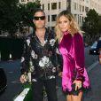 """Naissance - Robbie Williams est papa pour la quatrième fois - Robbie Williams et sa femme Ayda Field arrivent au club """"Annabel's"""" pour l'anniversaire de L. Silverman. Londres, le 25 juillet 2018."""