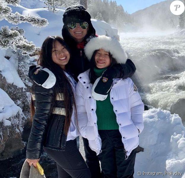 Laeticia Hallyday a passé des vacances dans le Montana avec ses filles Jade et Joy et a publié plusieurs photos de leur escapade sur Instagram le 23 février 2020.