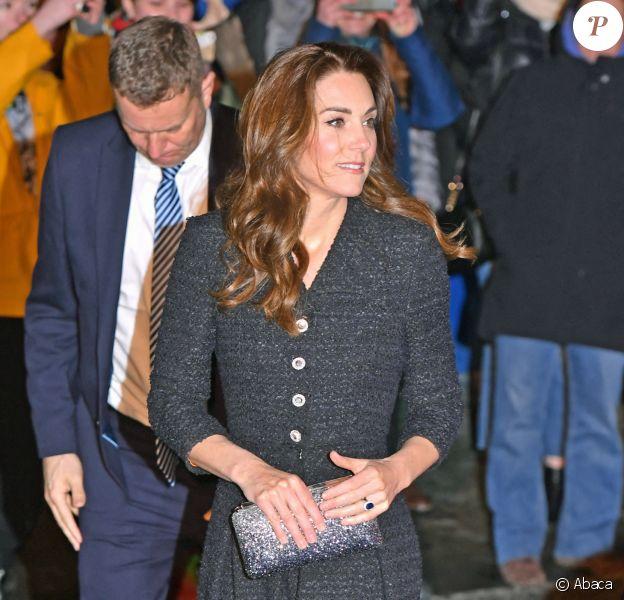 Kate Middleton, duchesse de Cambridge, et le prince William, duc de Cambridge, arrivent au théâtre Noel Coward pour assister à la représentation de Dear Evan Hansen à Londres le 25 février 2020.