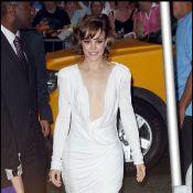 Rachel McAdams décolletée jusqu'au nombril... devant un Brad Pitt au top de l'élégance !