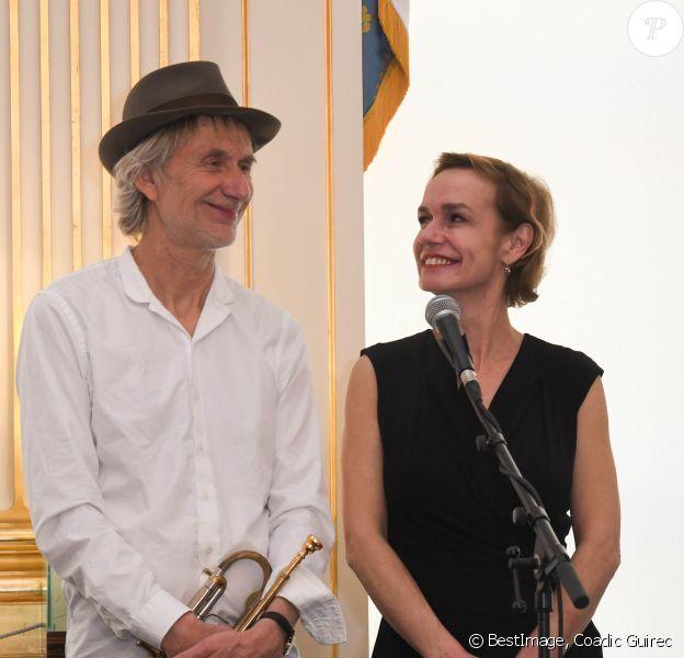 Sandrine Bonnaire et son compagnon Erik Truffaz - 22ème édition du Printemps des Poètes au ministère de la Culture à Paris le 25 février 2020. © Coadic Guirec/Bestimage