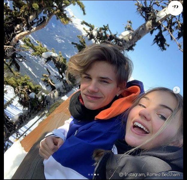 Romeo Beckham et sa petite amie Mia Regan au ski. Février 2020.