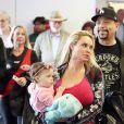 Ice-T avec sa femme Coco Austin et leur fille Chanel Nicole à l'aéroport de Sydney, le 3 juin 2017.