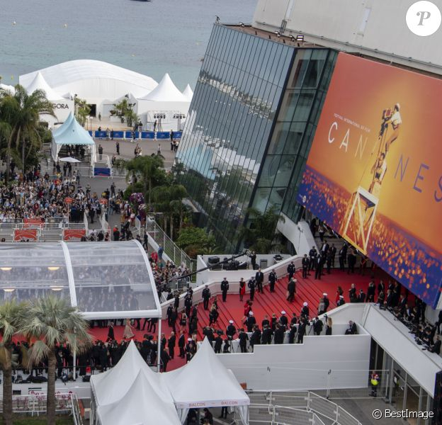 La croisette à l'heure du festival de Cannes, illustration du Palais des Festivals. Cannes, 72ème Festival International du Film de Cannes. Le 14 mai 2019.