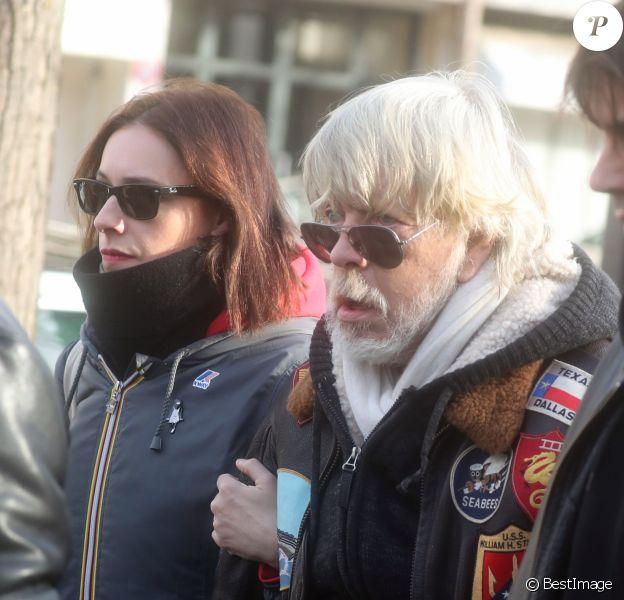Lolita Séchan et son père le chanteur Renaud - Obsèques de Thierry Séchan frère du chanteur Renaud) au cimetière du Montparnasse à Paris le 16 janvier 2019.