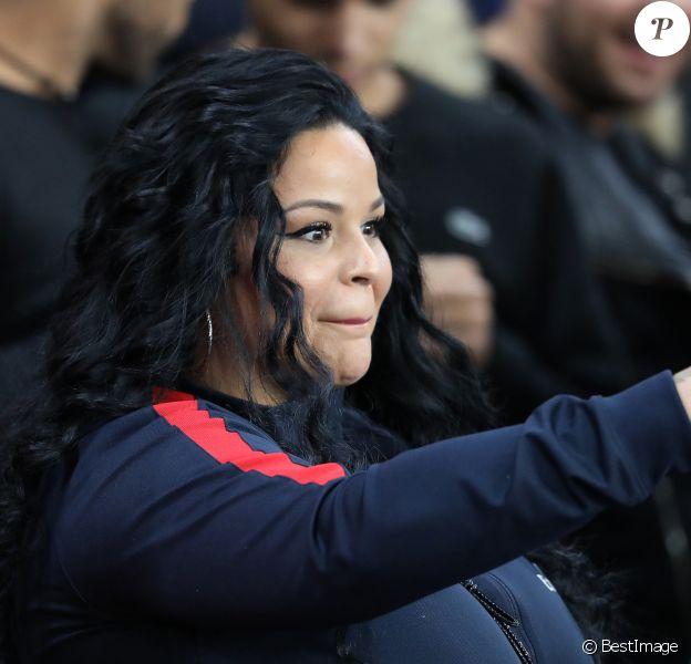 Sarah Fraisou (Les vacances des Anges 3) dans les tribunes du parc des princes lors du match de football de ligue 1 opposant le Paris Saint-Germain (PSG) à l'Olympique Lyonnais (OL) à Paris, France, le 7 octobre 2018.