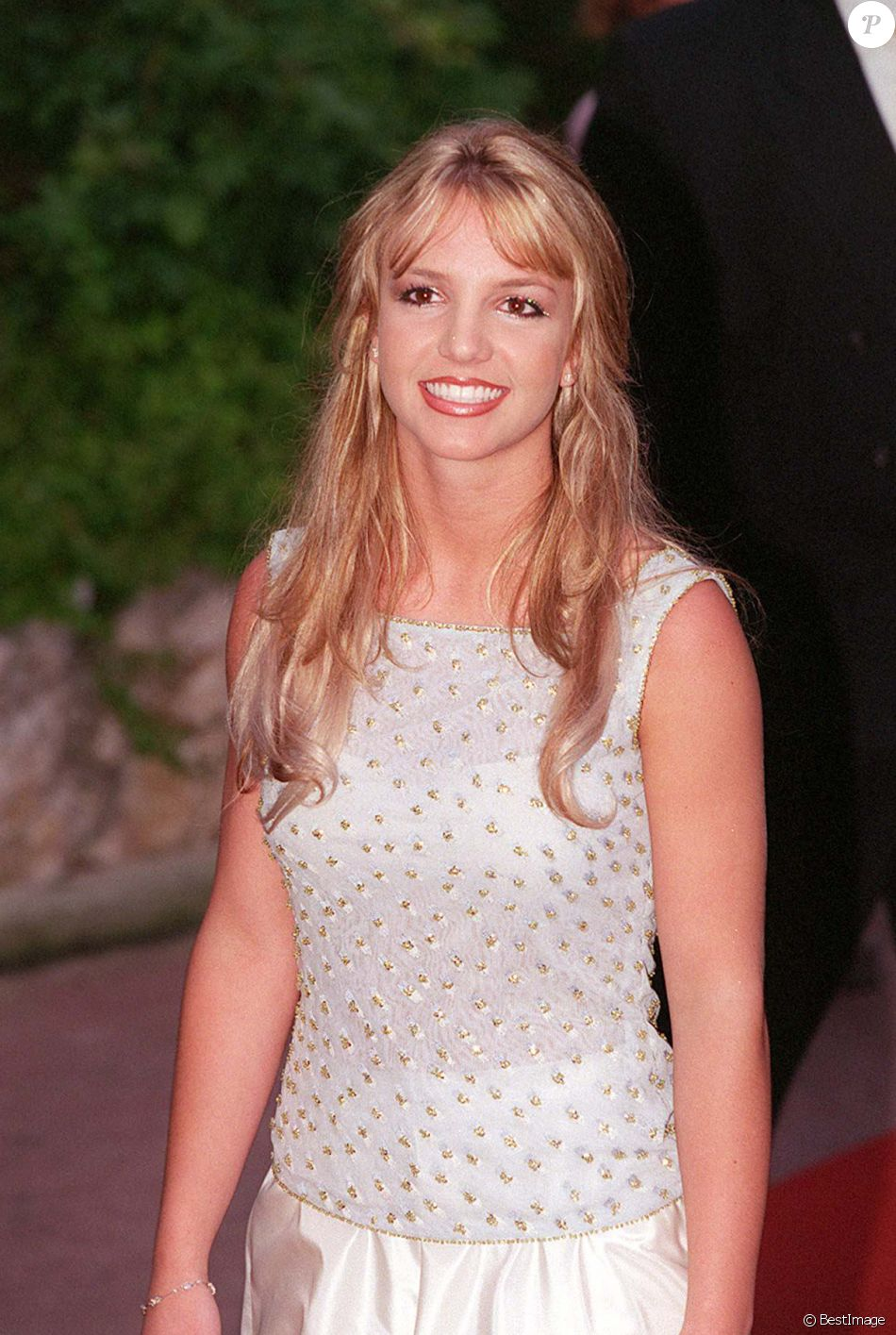 5505251-britney-spears-aux-world-music-a