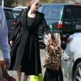 Exclusif - Angelina Jolie et sa fille Vivienne à Los Angeles le 14 février 2013.