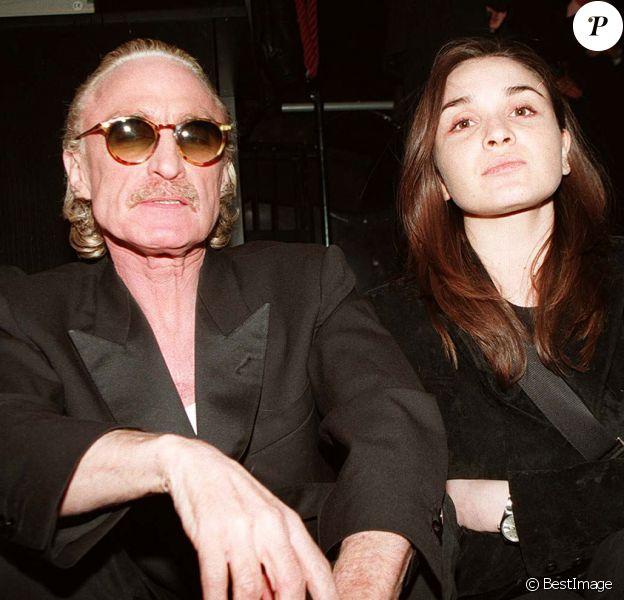 Christophe et sa fille Lucie lors de la soirée Les enfants de l'Olympia au Bash, le 11 avril 1997.