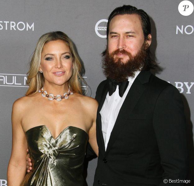 Kate Hudson et son compagnon Danny Fujikawa - Photocall de la soirée de gala The 2019 Baby2Baby à 3Labs, Culver City, Los Angeles, le 9 novembre 2019.