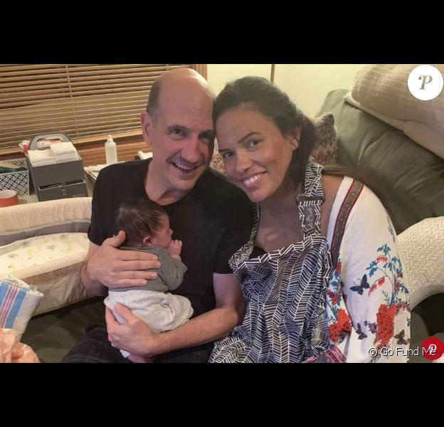 Sam Lloyd avec sa femme Vanessa et leur bébé.