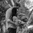 Le prince Harry, Meghan Markle (enceinte) et leur fils Archie. Portrait réalisé à distance par le photographe Misan Harriman.