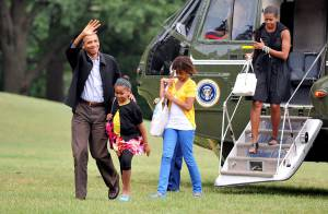 Pour Barack Obama et sa famille, les vacances sont finies... entachées par le deuil !