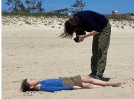 Charlotte Gainsbourg et sa fille Joe à la plage : séance photo à deux