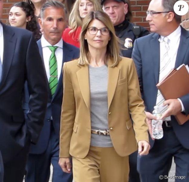 Archive - Lori Loughlin et son mari Mossimo Giullanni à la sortie du tribunal de Boston, le 4 mars 2019.