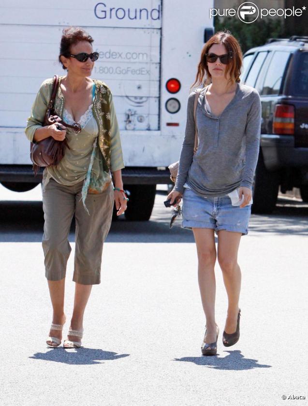 Rachel Bilson et sa mère à Los Angeles. 31/08/09
