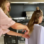 Gisele Bündchen : Le top model devient coiffeuse pour sa fille Vivian