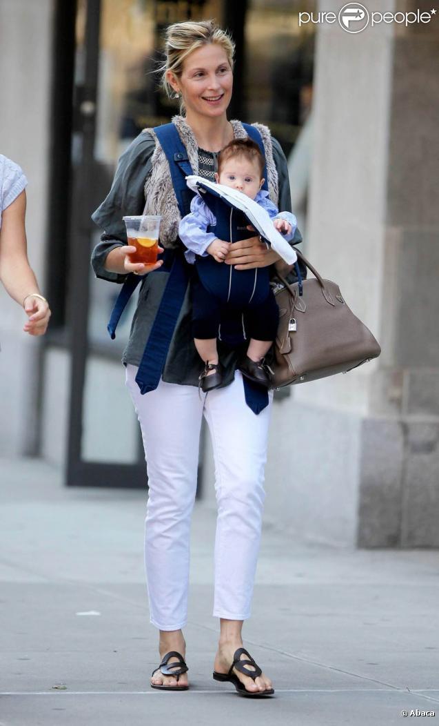 Kelly Rutherford et sa fille Helena, 3 mois, sur le tournage de  Gossip Girl , à New York, le 1er septembre 2009 !