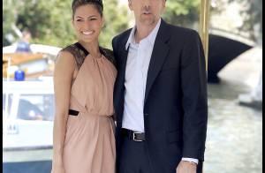 Au côté de la sublime Eva Mendes... Nicolas Cage est très élégant ! Un duo très glamour !