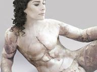 Cécilia Bartoli : son nouvel album choque, et elle se révolte contre la chirurgie esthétique ! Regardez !