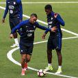 N'Golo Kanté, Dimitri Payet et Samuel Umtiti au Stade de France. Saint-Denis, le 12 juin 2017.